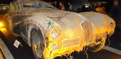 Pajtában talált autóért rekordösszeget fizettek Párizsban