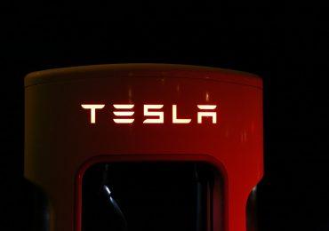 Így működik a Tesla önvezetője