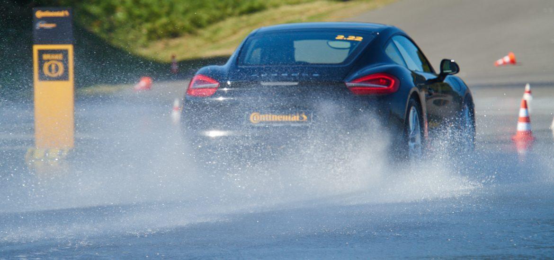 Continental sportos nyári gumi tesztek vízes körülmények között