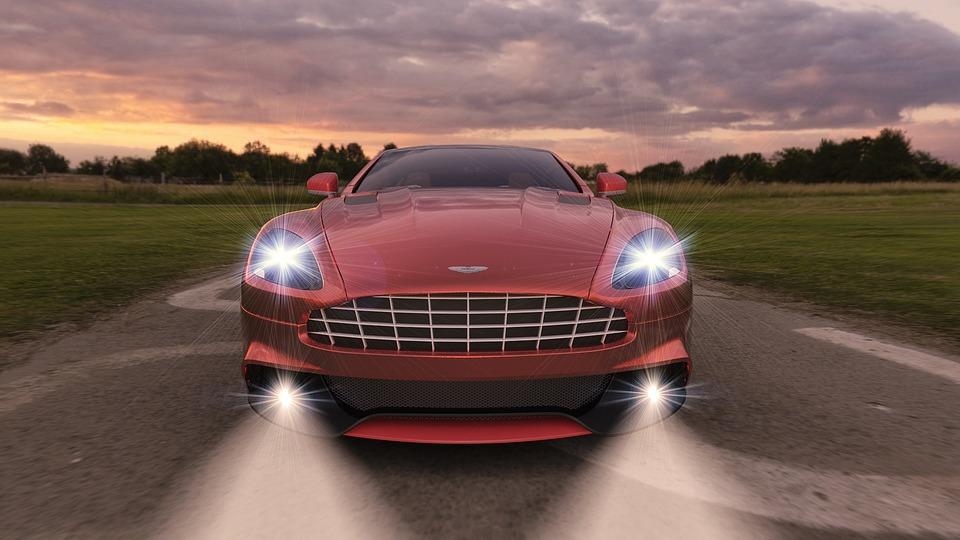Itt az új Aston Martin